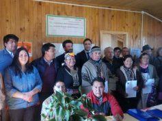 Subpesca y comunidades indígenas de Teodoro Schmidt firman primer convenio de uso de espacio costero en La Araucanía