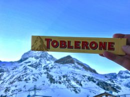 La ultraderecha europea furiosa con Toblerone que se certificó Halal
