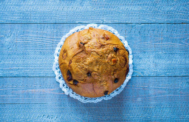 Cake con almendras, pasas