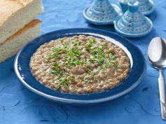 Lentejas vegetarianas al estilo árabe