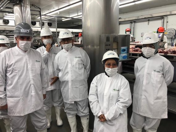 MINISTRO DE LA AGRICULTURA DE LA DE MALASIA VISITA LOS MATADEROS HALAL DE OSORNO
